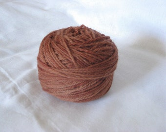Naturally dyed Aran wool yarn, Earthy pink shades.