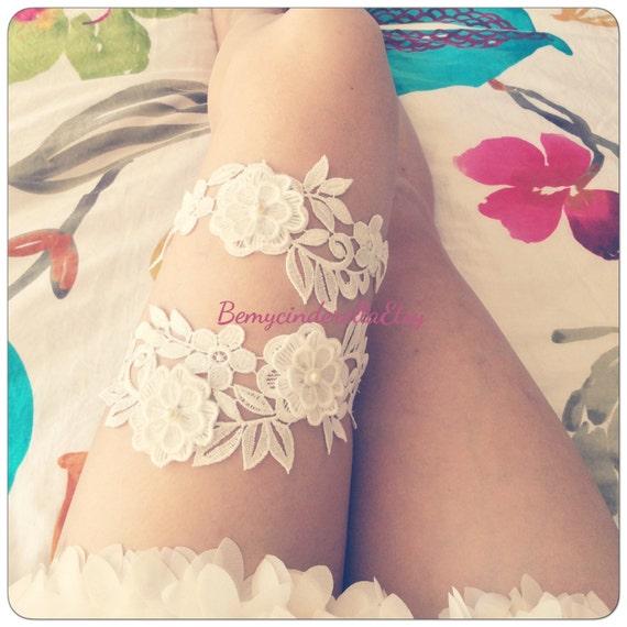White Wedding Garter: Off White Wedding Garter Set Flower Bridal Garter Flower