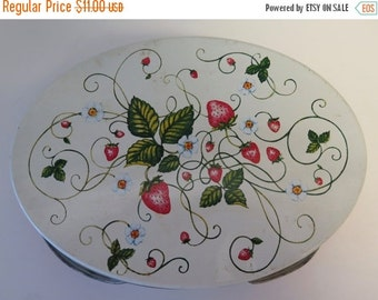 REDUCED Vintage Oval Picnic Tin with Handles - Strawberry Design