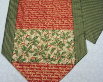 Holly w/Merry Christmas Table Runner