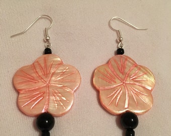 Pink/black flower earrings