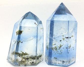 Blue meditation Crystal Replica for Home Decor , Dining, Meditation altar ambiance rocks of resin, LED lights pillar generator crysta
