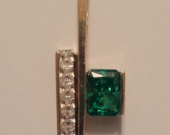 14K Yellow Gold Retro Pendant with emerald and topaz