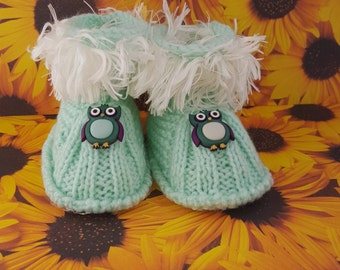 Owl Baby booties  Green Baby Booties , Owl Button, , Baby Shower baby shoes, baby boots,baby slippers,baby gift, knitted baby booties