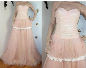Vintage 1950s light pink tulle ruffle bubble sweetheart gown dress XS 235