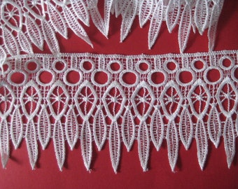 Lace Trim White for home decor 1 X yard, linen, weddings, favours, coat hangers,