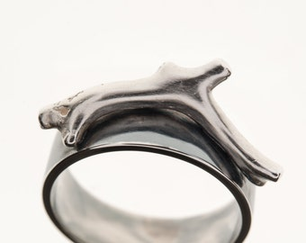 Oxidised Coral Ring