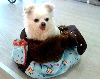 Dog bag monkey in love