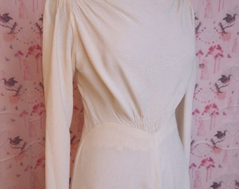 Stunning simple classic 40's dress in a textured crepe, long sleeves, sweeping train, high cowl neckline, movie star glamour  size 10 approx