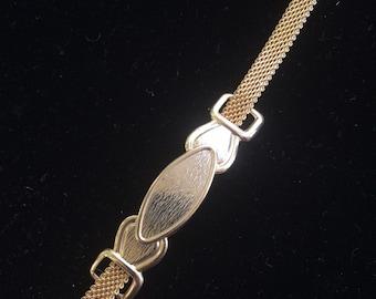Belt necklace