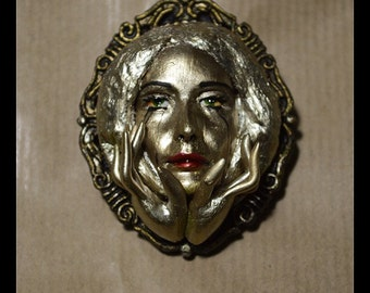 "Ooak Brooch ""Midas's Daughter"""