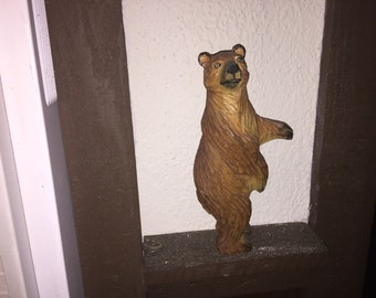 hand carved Wood Bear