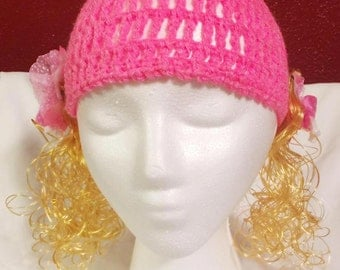 Woman beanies- Pink with blond hair