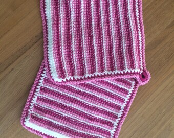 Pot holder – Moroccan inspired pink/red/white, striped, hand crocheted