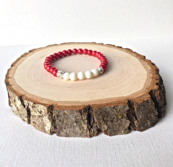 Essential Oil Diffuser Bracelet - holiday bracelet - red glass pearl beads and white diffuser beads stretch bracelet