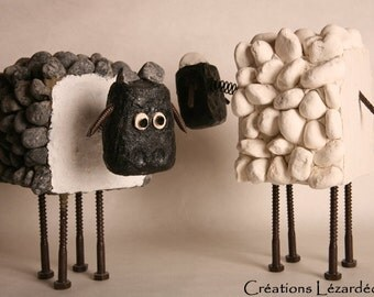 Black sheep carved Pebble