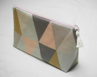 "Make-up bag ""Pink triangles"""