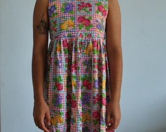 Size sm vintage fruit dress