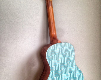 Ukulele decal wave design