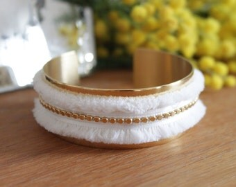 Cuff Bracelet gold metal, frayed Ribbon, feminine and delicate fluffy effect
