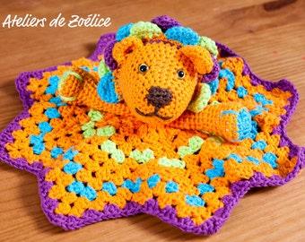 Doudou plat personnalisable au crochet : Simba