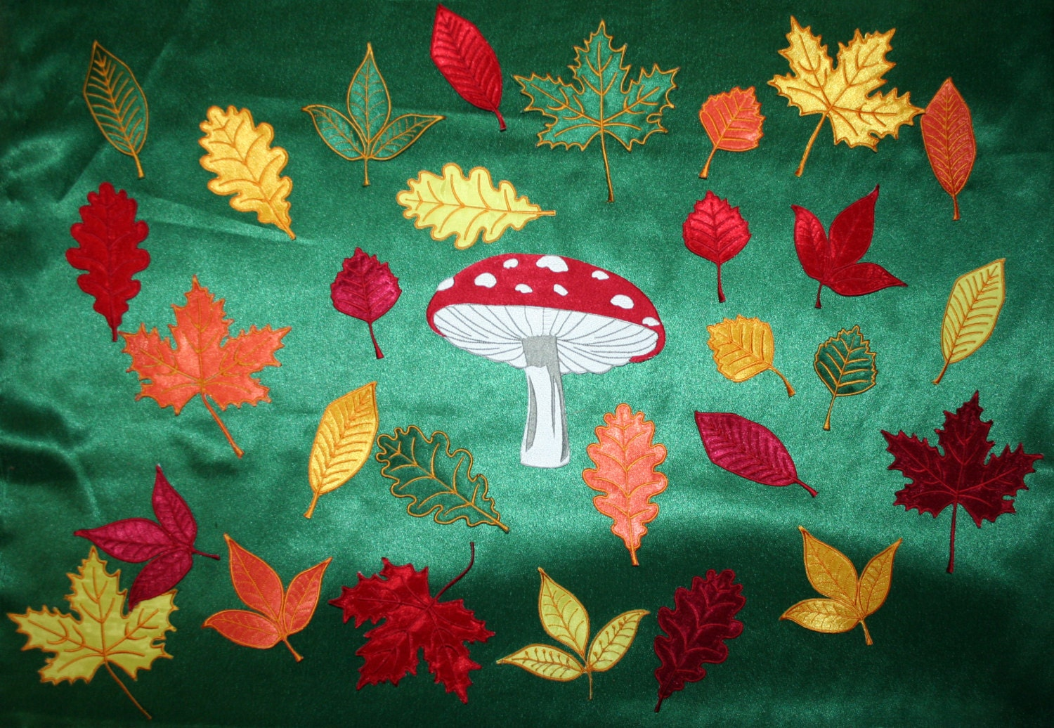 Autumn leaves double sided embroidery machine