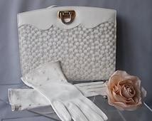 CREAM LEATHER GLOVES Size x 6, Ladies Accessories, Detailed Wrist Design Gloves, Summer Gloves, Wedding Formal Gloves, Vintage 60s Gloves.