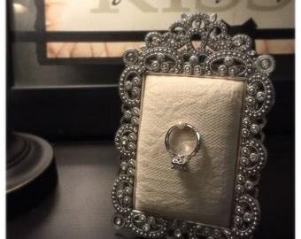 Ring Display Frame with Lace