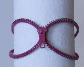 E-1632  Fuschia upcycled zipper bracelet