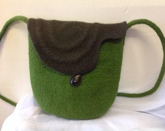 Handfelted shoulder handbag