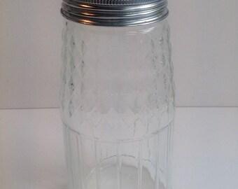 Retro  1960 sugar shaker