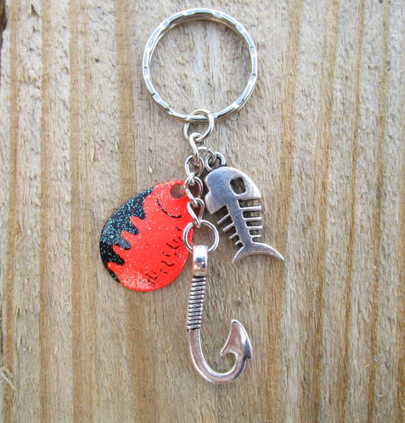 Fish hook keychain with a fishing blade by rusticbabeboutique for Fish hook keychain