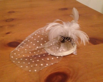 Vintage Style White Vail Fascinator Hat with Feathers