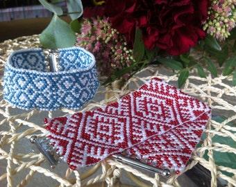 Peyote pattern sead bead bracelet, symbols pattern bracelet, summer accessory, gift for her, blue and white bracelet, red and white bracelet