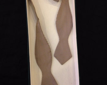 1940s Brown and White Houndstooth Bowtie