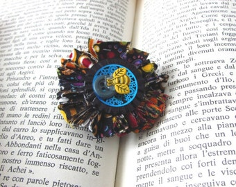 One of a Kind, Wearable Art, Small Brooch, Unique Jewelry, Boho chic, Rétro Fun, Art Gift, Original Jewelry, Flower Jewelry, Shabby Chic