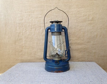 Vintage hurricane lamp Kerosene lantern Kerosene lamp Rustic farm decor Rustic decor Home decor Garden decor Garage decor Can't ship to USA