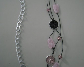Alternate black and pink necklace