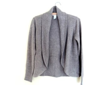 Sweater color Brown sand. Cardigan without button. HM Vintage.