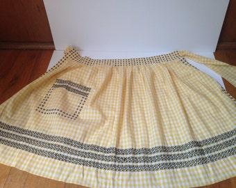 Vintage 1950s Homemade Yellow and White Gingham Embroidered Apron With Pocket