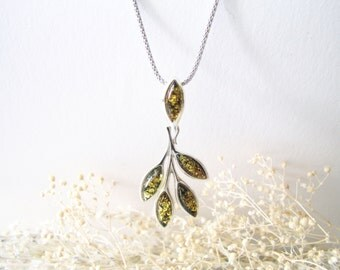 Green Baltic Amber Leaf Pendant Necklace, Natural Amber Necklace, Baltic Amber Pendant, Green Amber Choker, Sterling Silver Choker