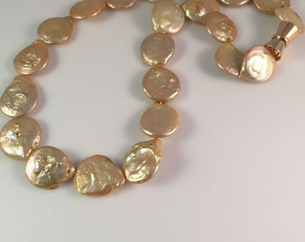 Short pearl necklace with large mustard coin pearls