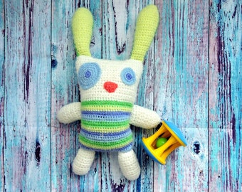 "Knitted rabbit ""Robin"""