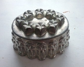 "Vintage Rustic ""Shabby"" Ornate Baking Mold or Jello Mold, Metal?"