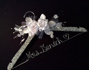 Grand Opening !!l-Glittered Personalized Bridal Hanger Customized Hanger,Wedding Gift,Wedding Hanger, Bridal shower Gift, Bridemaids hanger