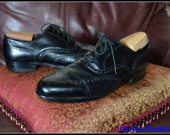Superior Quality Genuine Leather Black Oxfords Wingtips Lace Up Mens Oxfords / Size 10 or 10,5 / Excellent to Mint Condition / Gift for Men