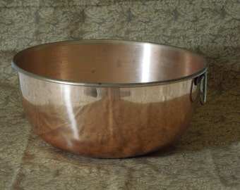 Vintage Copper Serving or Mixing Bowl with single brass ring handle