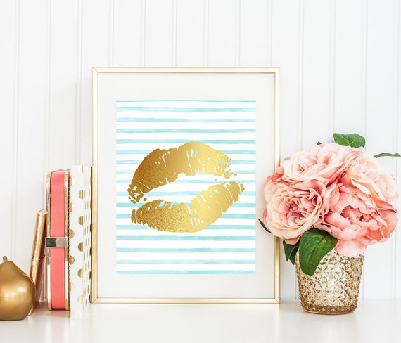 Fashionista, Bedroom wall art, Gold lips, Fashion print, Gold kiss, Fashion poster, Lips print, Lipstick print, Printable decor, Gold foil