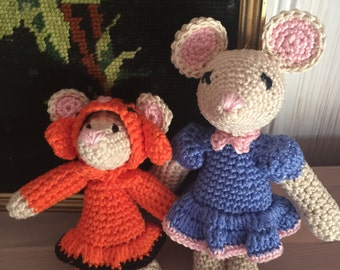 Crochet amigurami mouse mother and baby. Cute stuffed toys