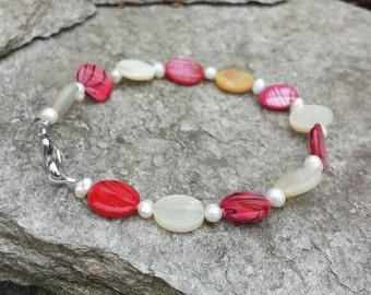 8-inch Red and Cream Shell And Fresh Water Pearl Bracelet